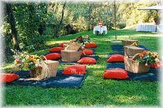picnic style wedding reception ideas | Picnic-Wedding