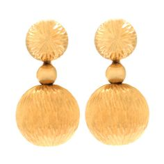 Pre-owned Mod Textured Gold Ball Earrings ($975) ❤ liked on Polyvore featuring jewelry, earrings, lever-back earrings, mod earrings, gold jewelry, antique jewelry, pre owned jewelry and ball jewelry
