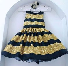 Diy Doll Costume, Hi Gorgeous, Baby Frocks Designs, Baby Dress Patterns, Bee Party, Lol Dolls, Queen Bees, Girl Outfits, Girls Dresses