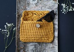 Mustard crochet clutch