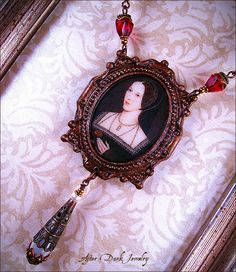 Past work: Anne Boleyn Clay Portrait Necklace (front view) created in 2009 by After Dark Jewelry