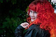 Bunte Farben - SchneePunzel - professionelle Haarverlängerungen und Dreadlocks Red Leather, Leather Jacket, Fire Hair, Elegant, Redheads, Hair Extensions, Dreadlocks, Fashion, Red Hairstyles