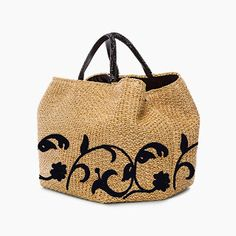 Ermanno Scervino a new bag with I Vassalletti for the De .- Ermanno Scervino una nuova borsa con I Vassalletti per la Design Week 2015 Ermanno Scervino a new bag with I Vassalletti for the 2015 Design Week - Tote Handbags, Purses And Handbags, Boho Bags, Basket Bag, Summer Bags, Knitted Bags, Handmade Bags, Beautiful Bags, My Bags