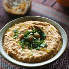 Simple vegan hummus
