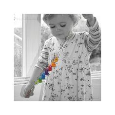 Colorido juguete para grandes y pequeños (a partir de 3 años de edad). Simple pero elegante, un juego fascinante de colores.  Colorido juguete para grandes y pequeños (a partir de 3 años de edad). Simple pero elegante, un juego fascinante de colores.  Material: Anillos de madera de haya. Alambre con refuerzo especial, para la estabilidad. Se puede doblar muchas veces y no se romperá. Kinuma