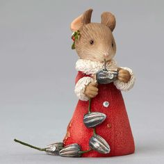 Mouse with pumpkin seeds garland is busy in the village decorating all the trees. Santa Claus will be arriving soon! Everyone is pitching in for the big winter sports festivities! Add to your Heart of
