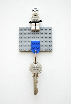 Tons of key holder ideas! Awesome site!