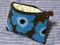 Pouche,  Tvistsöm (Long armed cross stitch) by tomo*chi, via Flickr
