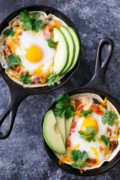 Huevos Rancheros The ultimate breakfast for dinner: personal-sized huevos rancheros baked in a skillet!The ultimate breakfast for dinner: personal-sized huevos rancheros baked in a skillet! Brunch Recipes, Breakfast Recipes, Breakfast Ideas, Breakfast Muffins, Egg Recipes For Dinner, Breakfast Hash, Breakfast Tacos, Breakfast Dishes, Breakfast Casserole