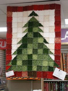 christmas tree rag quilt - I've got the pattern & fabric - just need to make it. Christmas Rag Quilts, Crochet Christmas Trees, Christmas Sewing, Christmas Crafts, Quilting Projects, Quilting Designs, Sewing Projects, Fabric Crafts, Sewing Crafts