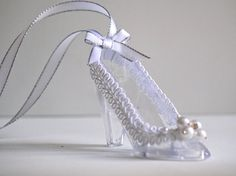 Glass Slipper charm  / Cinderella Wedding Favors  / Bridal Shower Necklace / Bridal Wedding  Charm / Wedding Gifts / Quinceanera