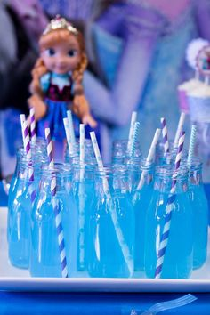 #specialmomentsbymichelle #birthdayparty #frozen #disney #event #decoration #details #beautiful #reception #cute #candybuffet #frozenparty #cake #special #ana #elsa specialmomentsbymichelle.com