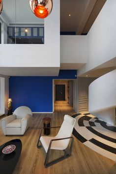 Impacting Through Bright Colors: Blue Penthouse in Shanghai