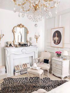 Room Ideas Bedroom, Bedroom Themes, Home Bedroom, Glam Bedroom, Rich Girl Bedroom, Fancy Bedroom, Feminine Bedroom, Master Bedroom, Parisian Room