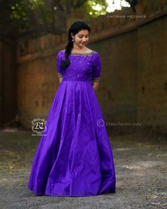 Stylish Ethnic Long Suits That Are Going To Trend Next Year Too Traditional ethnic long suits Gown Party Wear, Party Wear Indian Dresses, Indian Gowns Dresses, Girls Dresses, Long Gown Dress, Frock Dress, Saree Dress, Long Frock, Long Gowns
