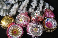 vánoční ozdoby.mj Christmas Bulbs, Christmas Decorations, Holiday Decor, Childhood Memories, Holidays, Vintage, Home Decor, Memories, Nostalgia