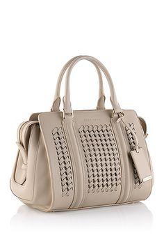 efbb539a4c 8 meilleures images du tableau sacs | Guess purses, Beige tote bags ...