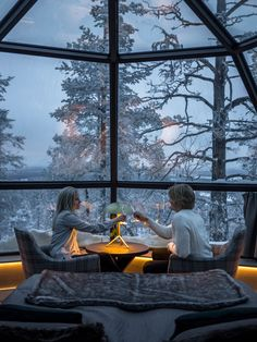 These All-Glass Igloos in Finland Provide the Best Northern .- These All-Glass Igloos in Finland Provide the Best Northern Lights Viewing Ever These All-Glass Igloos in Finland Provide the Best Northern Lights Viewing Ever - Beautiful Places To Visit, Oh The Places You'll Go, Places To Travel, Travel Destinations, Peaceful Places, Northern Lights Viewing, Glass Igloo Northern Lights, Glamping, Bon Plan Voyage