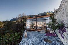 Studio en pleine montagne à San Pedro Garza Garcia, Mexique. Architects : Covachita