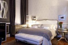 Cortina e persiana juntas – veja salas e quartos lindos decorados com essa tendência!