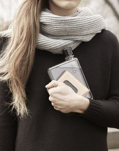 The memobottle is a premium slimline, reusable water bottle designed to fit stylishly into handbags, backpacks, laptop bags and even within your pocket; Flat Water Bottle, Water Bottle Design, Daily Water Intake, Access To Clean Water, Der Arm, International Paper Sizes, Oeuvre D'art, How To Stay Healthy, Routine