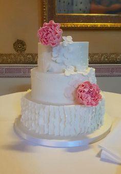 fondant handmade details. with handmade flowers 3 Tier Wedding Cakes, Luxury Wedding Cake, Belle Cake, Cake Cover, Handmade Flowers, Pink Flowers, Fondant, Catering, Desserts