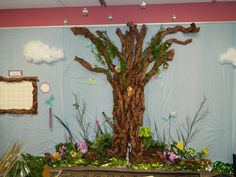 .: Enchanted forest classroom tour