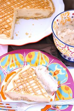 FROZEN PEANUT BUTTER PIE WITH EASY PEANUT BUTTER ICE CREAM. My favorite with peanut butter