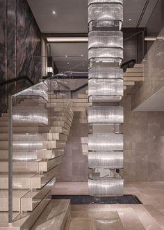 (帝美斯)QQ2851712686 微信15879525484 官网WWW.DIMISI.NET大型酒店 非标定制 旋转楼梯吊灯 个性吊灯 国外设计师 米兰设计 奢华吊灯