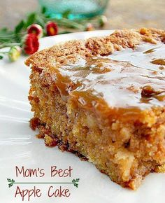 Mom's Best Apple Cake Mom's Best Apple Cake - I love old fashioned cakes like this. There are lots of apples in this cake, it's soft and moist. There's also a hot caramel sauce poured over the cake after it's baked that makes this outrageously delicious 13 Desserts, Delicious Desserts, Dessert Recipes, Yummy Food, Drink Recipes, Apple Cake Recipes, Baking Recipes, Apple Cakes, One Bowl Apple Cake Recipe