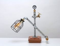 VINTAGE STEAMPUNK INDUSTRIAL MACHINE AGE TABLE LAMP A.K.A.SQUARE CAP