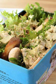 Kyllingsalat med eple og karri Baguette, Guacamole, Potato Salad, Potatoes, Mexican, Yummy Food, Vegan, Ethnic Recipes, Delicious Food