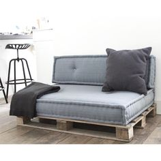60 Summer DIY Projects Pallet Sofa Design Ideas And Remodel Furniture, Couch Design, Home, Sofa Design, Sofa, Sofa Set, Pallet Furniture, Diy Sofa, Pallet Sofa