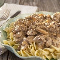 Easy Hamburger Stroganoff and Wisdom from a - Southern Bite Beef Dishes, Pasta Dishes, Hamburger Dishes, Hamburger Stroganoff, Hamburger Steaks, Stroganoff Recipe, Supper Recipes, Supper Ideas, Dinner Ideas