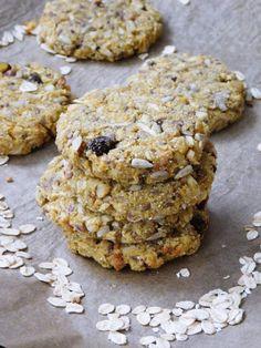 Ciasteczka owsiane z jabłkiem i orzechami Healthy Sweet Treats, Biscuits, Lunch Box, Sweets, Cookies, Desserts, Foods, Bar, Kitchen