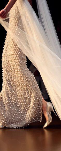 Ralph & Russo Haute Couture                              …