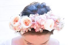 Floral headpieces are all the rage these days, but the fresh ones wilt so fast. #Wedding #Roses #Flowers