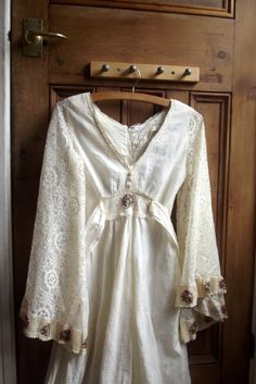 Vintage 70s wedding dresses / boho dress / maxi / long / folklore / folk / womens clothing / Dolly Topsy UK on Etsy, £120.00