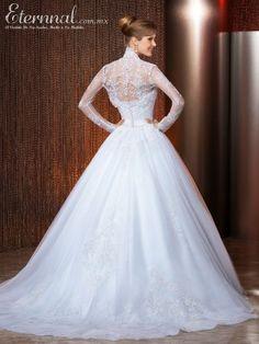 Vestido-de-Novia-ESMERALDA-corte-estilo-Princesa-y-escote-tipo-Corazon2