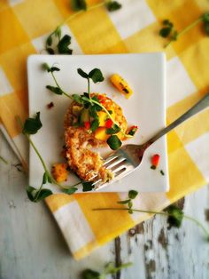 sweetsugarbean: Oh Oscar! Curried Crab Cakes with Mango Avocado Salsa