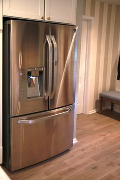 An LG Studio refrigerator makes a statement. See how @nateberkus used LG Studio appliances to create a stylish and functional space: http://www.lgstudiokitchen.com