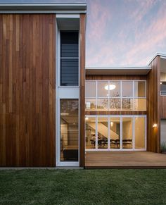 Cooks Hill Residence by Bourne Blue Architecture