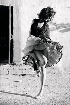 Ideas For Photography Poses Dance Beautiful Shall We ダンス, Shall We Dance, Lets Dance, Foto Glamour, Bryan Adams, Dance Like No One Is Watching, Ansel Adams, Sophia Loren, Dance Photography