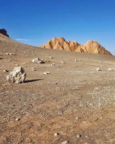 Já conhece o Atacama? Qual é o passeio imperdível?  Mais uma vista do Valle de la Luna passeio que fizemos ontem a tarde no Atacama com @aylluatacama.  #NerdsNoAtacama