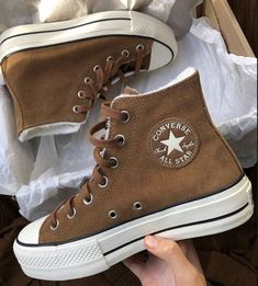 Dr Shoes, Hype Shoes, Me Too Shoes, Mules Shoes, Mode Converse, Brown Converse, Converse Hightops, Cute Converse Shoes, Souliers Nike