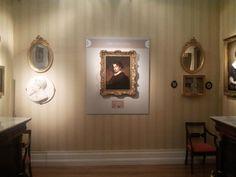 El retrato de Gustavo Adolfo Bécquer, pintado por su hermano Valeriano hacia 1862, estuvo como obra invitada en el Museo del Romanticismo, entre abril y junio de 2013.