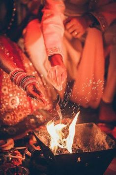 bengali wedding photography Photo from MavenSouk quot; album Photo from MavenSouk Wedding photography album Indian Wedding Poses, Indian Wedding Pictures, Indian Wedding Couple Photography, Couple Photography Poses, Bride Photography, Tamil Wedding, Photography Ideas, Indian Wedding Bride, Bengali Wedding