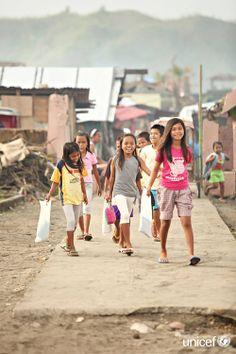 Back to School für die Kinder auf den Philippinen! :) Cebu, Leyte, Teaching Supplies, Filipino, Elementary Schools, World, People, Inspire, Education