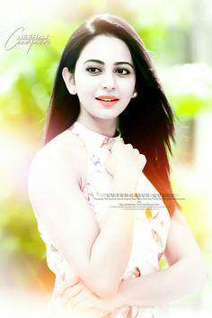 Beautiful Girl Wallpaper, Beautiful Girl Photo, Beautiful Smile, Beautiful Bollywood Actress, Most Beautiful Indian Actress, Beautiful Actresses, Stylish Girl Pic New, Stylish Boys, Stylo Art