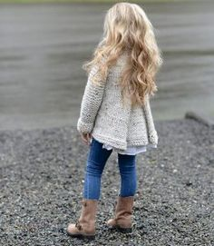 She is my idol - The velvet Acorn! I would recognize her photos anytime KNITTING PATTERN-The Brink Sweater 2 por Thevelvetacorn Baby Knitting Patterns, Knitting For Kids, Free Knitting, Velvet Acorn, Baby Sweaters, Knit Crochet, Crochet Crafts, Knitwear, Kids Outfits